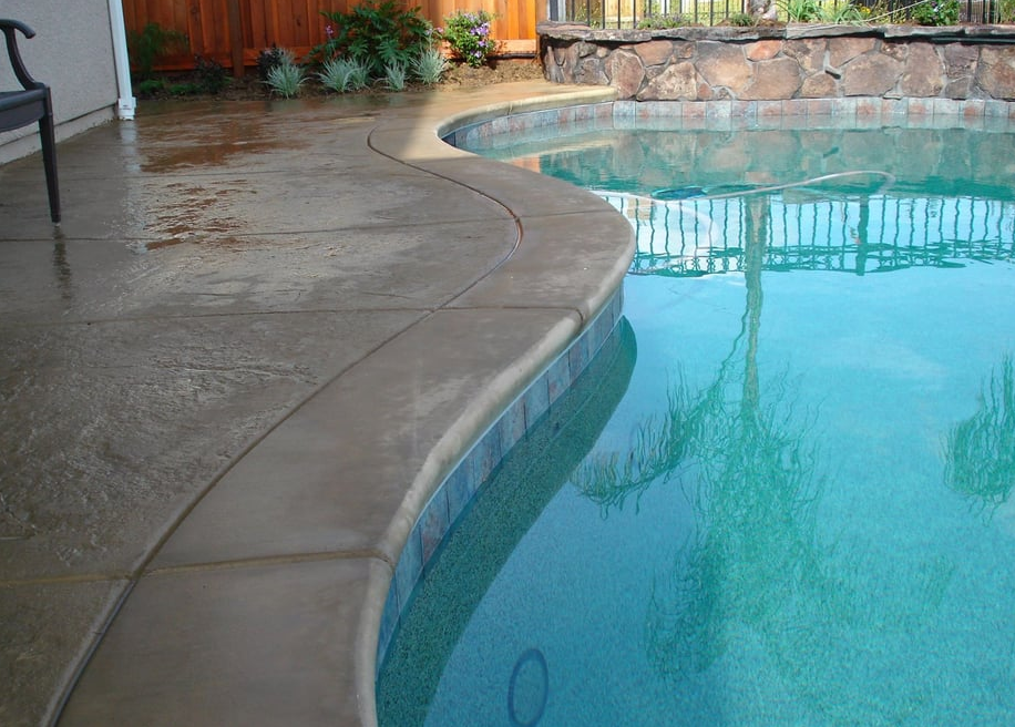 this image shows concrete pool deck oxnard